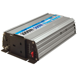 Streetwize Power Inverter 500W - 29911 - from Toolstation