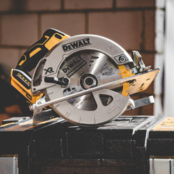 DeWalt DCS570N-XJ 18V XR Brushless 184mm Circular Saw