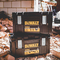 DeWalt DCK623P3-GB 18V XR Brushless Compact 6 Piece Kit