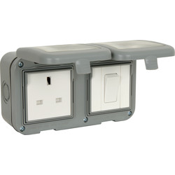 Unbranded BG IP55 Socket With Switch 1 Gang 13A + 1 Gang Switch - 52804 - from Toolstation