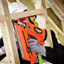 Paslode IM350+ Li-Ion Cordless Nailer Bundle Pack