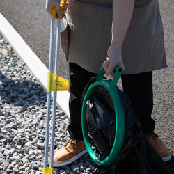 Litter Picker With Curved Handgrip
