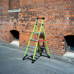 Little Giant Mighty Lite Fibreglass Step Ladder