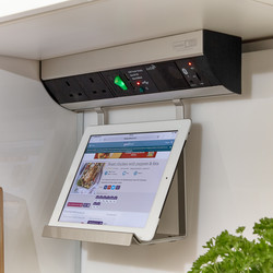 Sensio Bluetooth Power System with Shelf