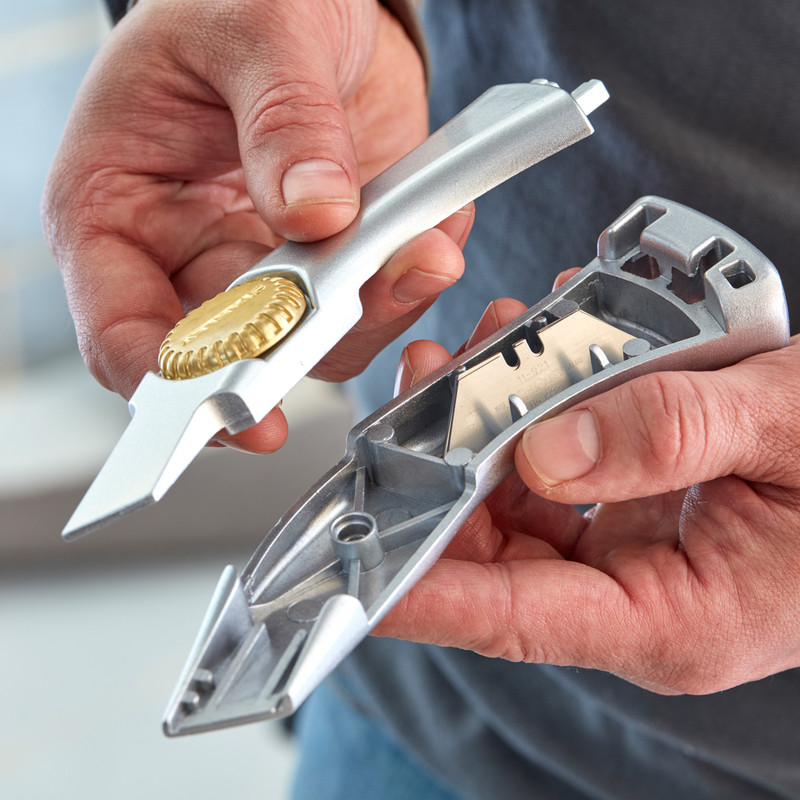 Stanley Titan Retractable Heavy Duty Knife