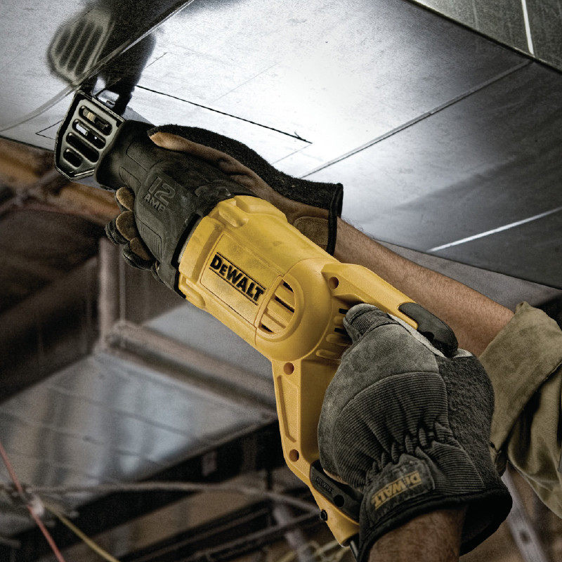 Dewalt DWE305PK-GB 1100W Reciprocating Saw