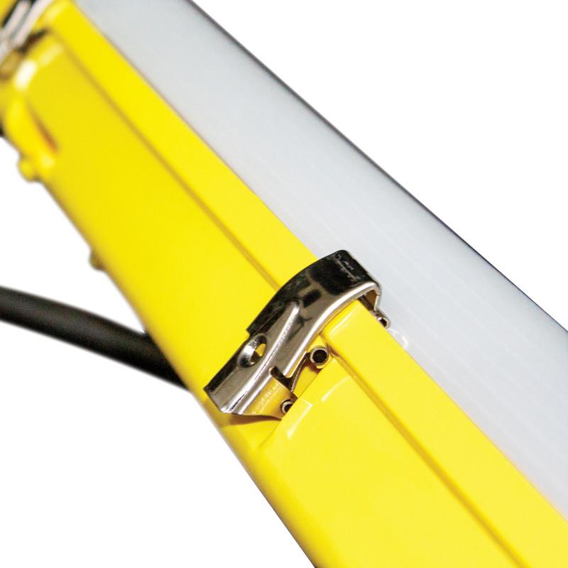 Luceco 110V Climate Non-Corrosive Pre-Wired