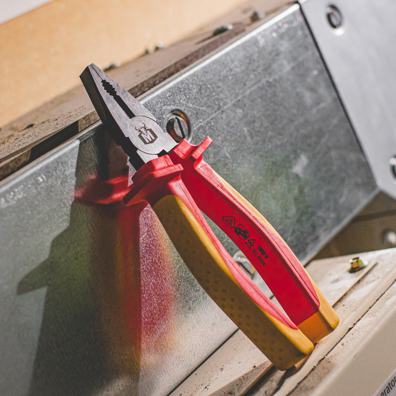 Minotaur VDE Combination Plier