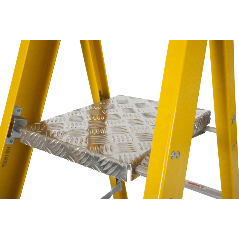Youngman Fibreglass Platform Step Ladder