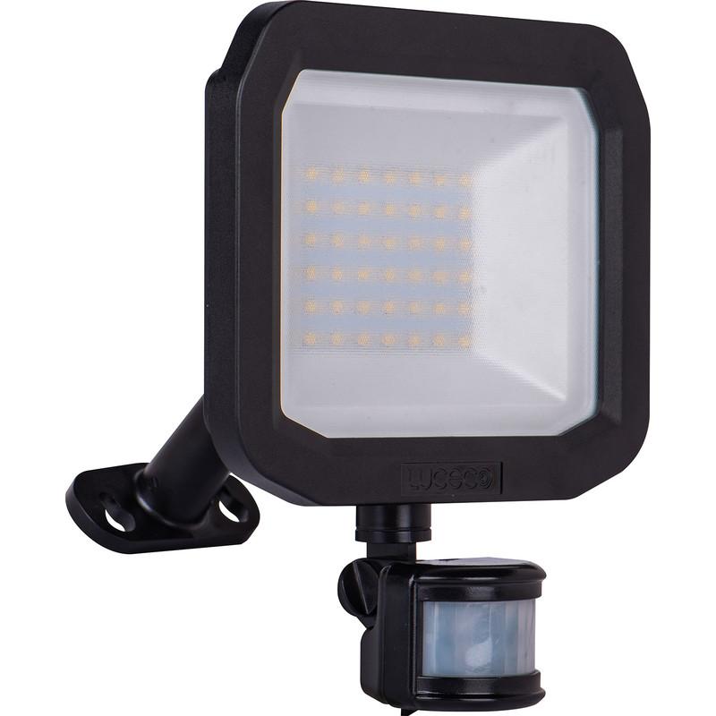 Luceco IP65 LED PIR Slimline Floodlight