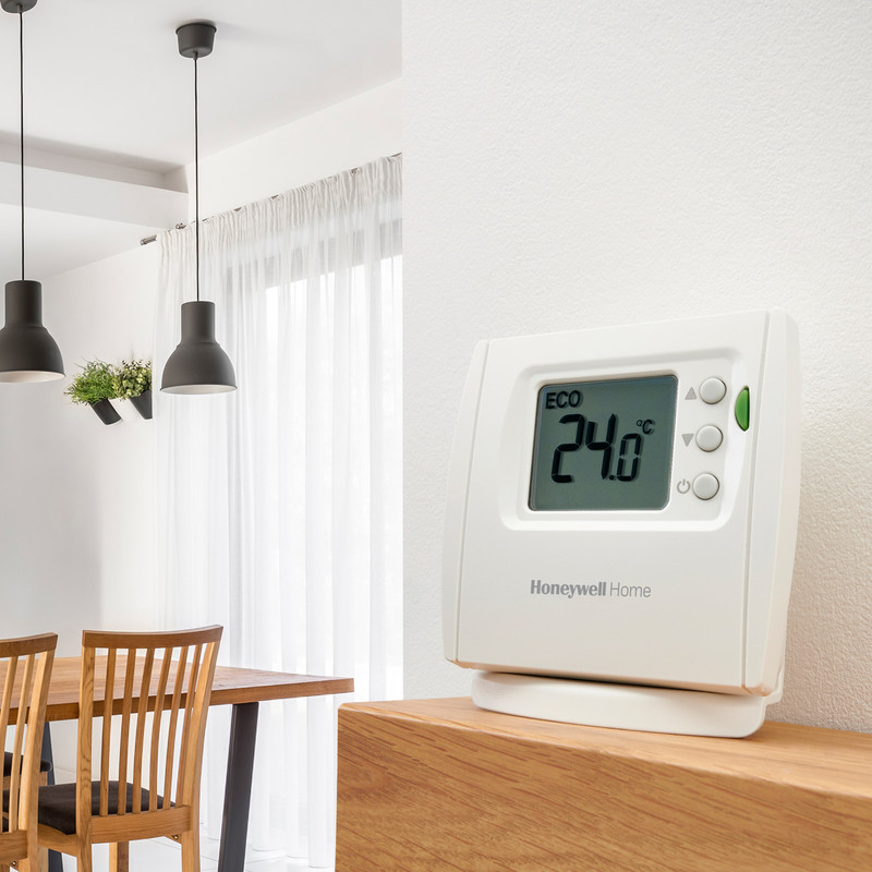 DT2R Wireless Digital Room Thermostat