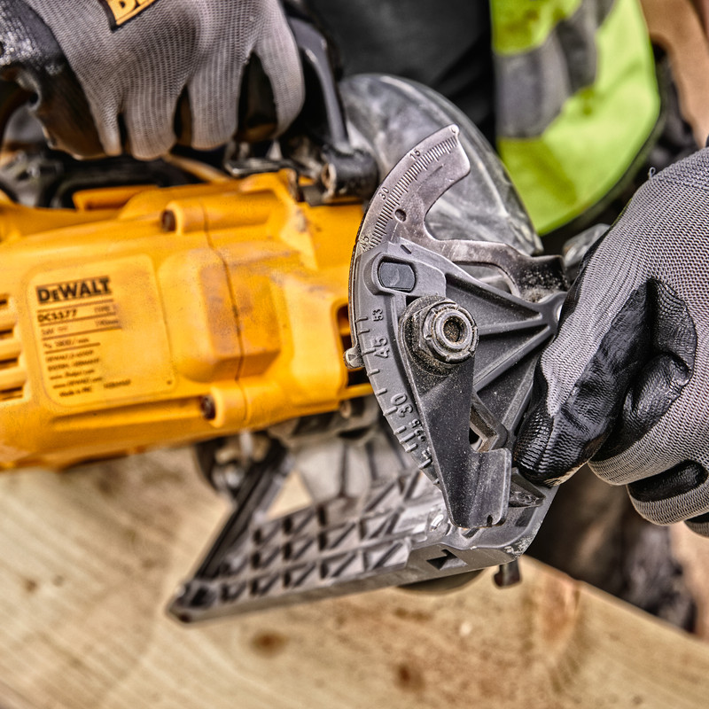 DeWalt 54V XR FlexVolt 190mm High Torque Circular Saw