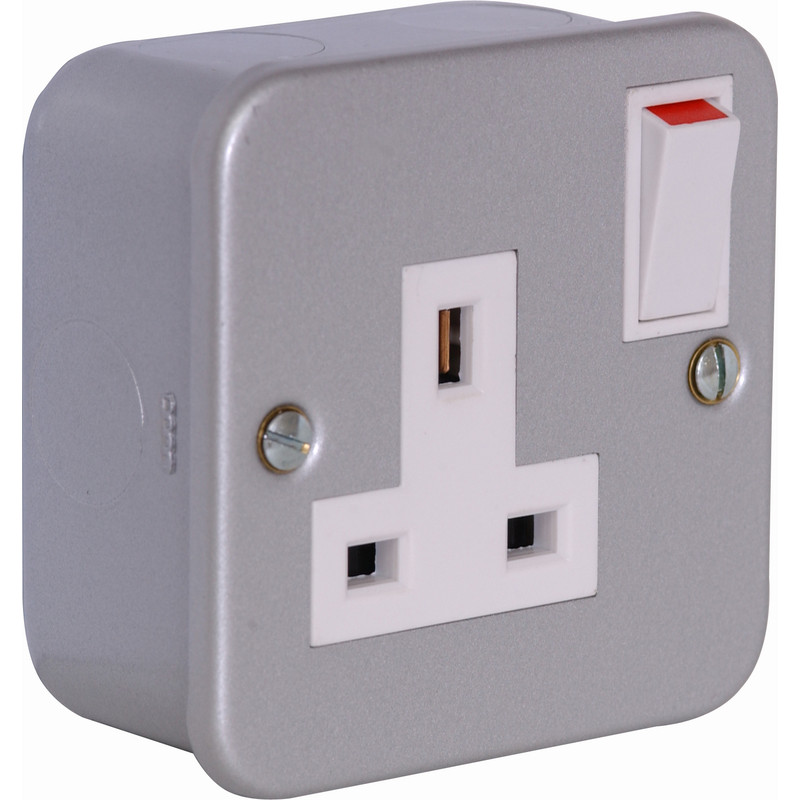 Axiom Metal Clad Switched Socket
