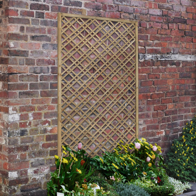 Forest Garden Double Slatted Diamond Lattice