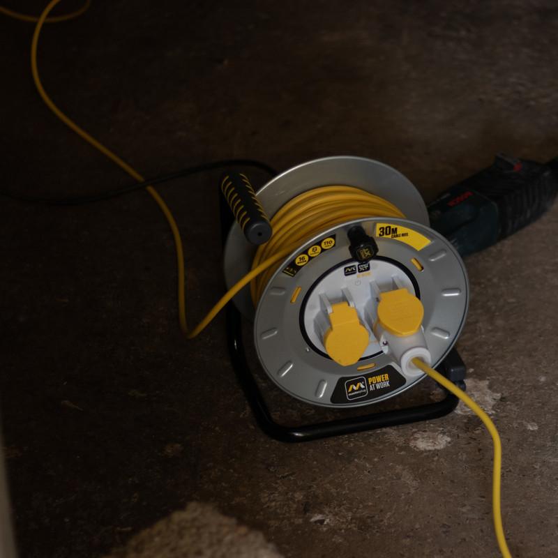 Masterplug Pro XT 2 Socket 16A Metal Open Cable Reel