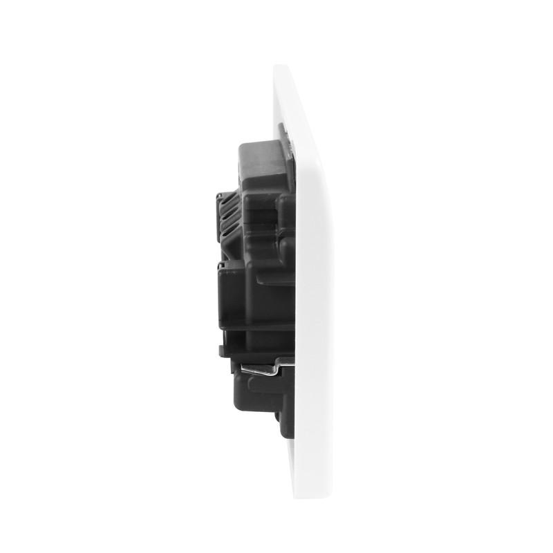 MK DP Switched Socket