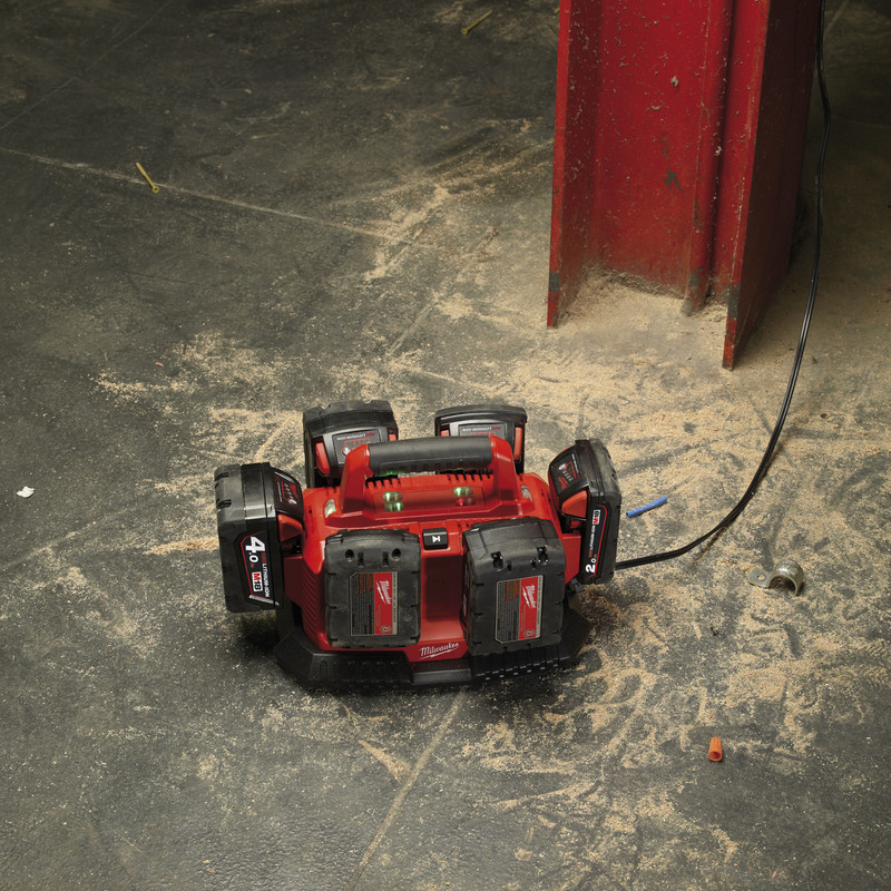 Milwaukee M1814C6 Multi-bay Charger