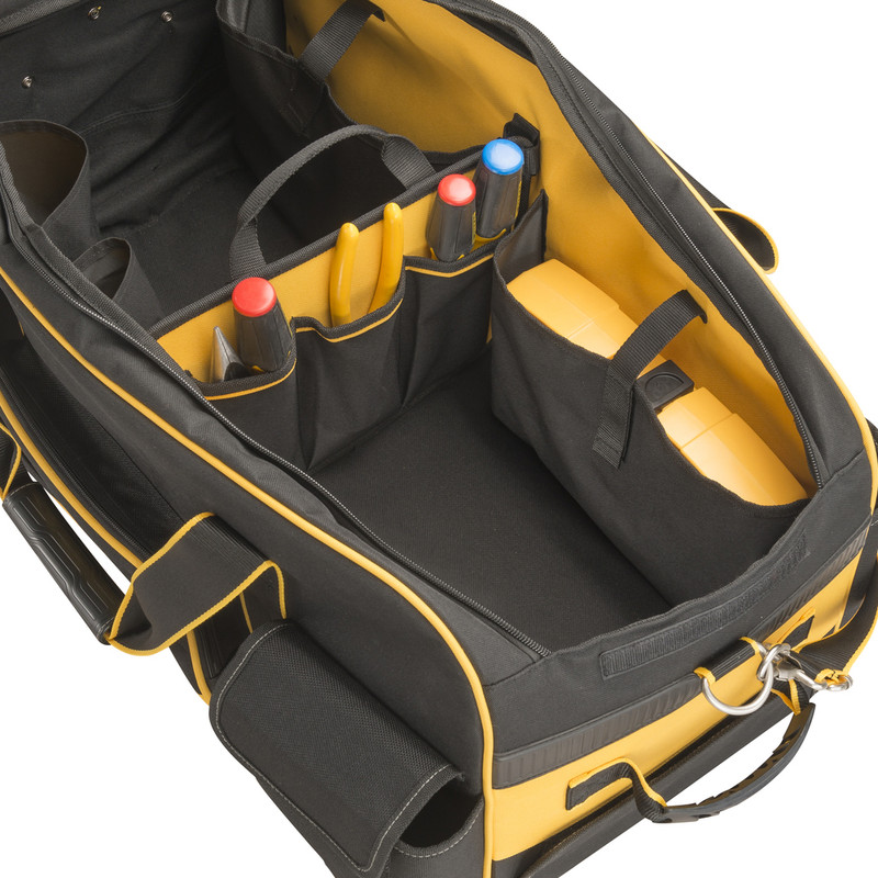 Dewalt Large Duffle Bag with Wheels