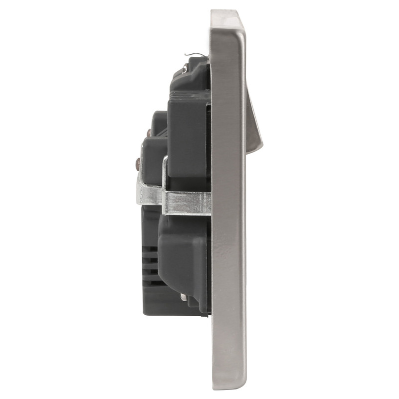 Click Deco Satin Chrome  USB Switched Socket