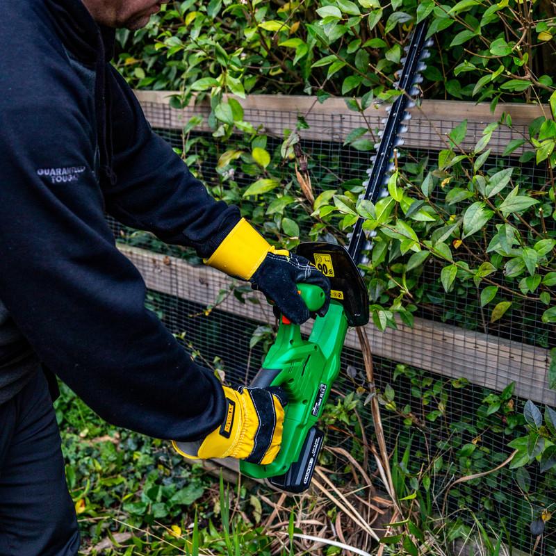 Hawksmoor 18V 51cm Cordless Hedge Trimmer