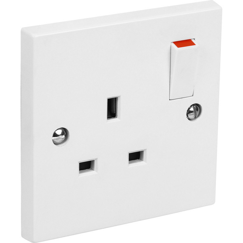 Axiom Switched Socket 1 Gang Single Pole